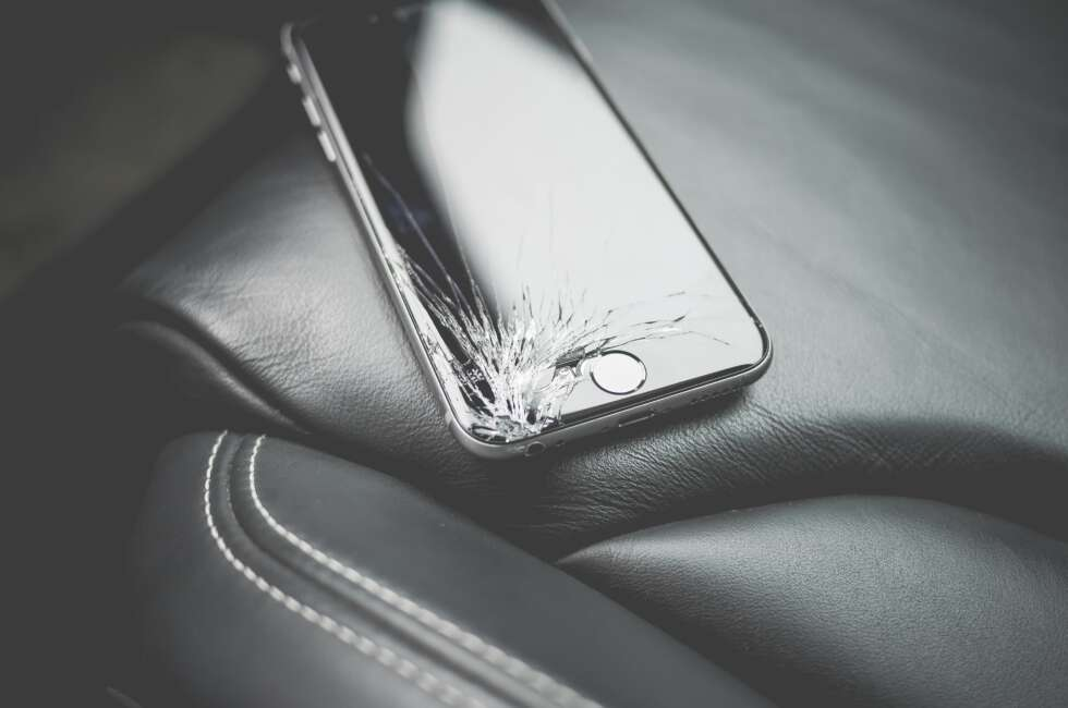 iPhone screen repair near me